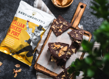 Kakao Stykker - Med Savoursmiths Italian Cheese And Port Crisps