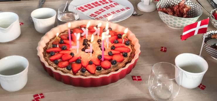 Grødkage med chokolade, jordbær og hasselnøddecreme